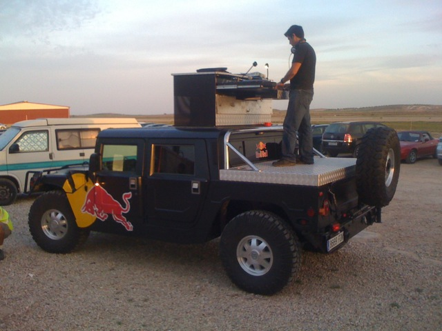 Hummer-mounted DJ
